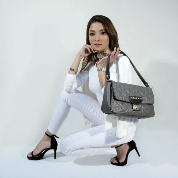handbags-2251090_1920